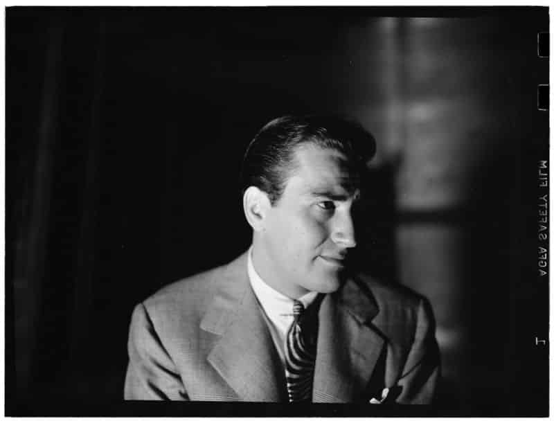 The Swing Era: 1926-1946. Song by year #16: Artie Shaw